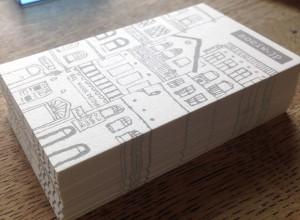 覚えておくと便利な、名刺やDMでよく使う紙の厚さについて