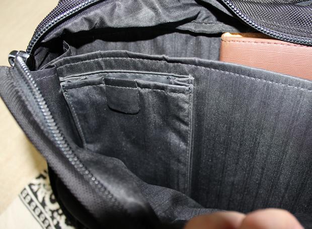 TUMIの小さいポケット